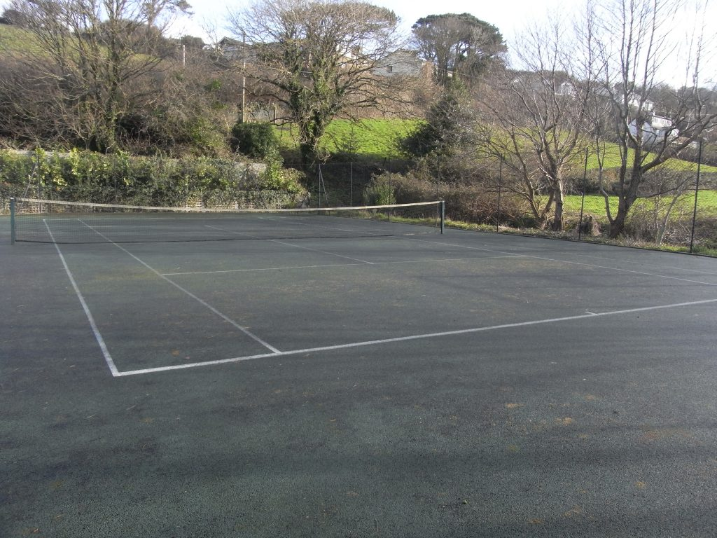 Chapel Cottage in Lee - Tennis Court